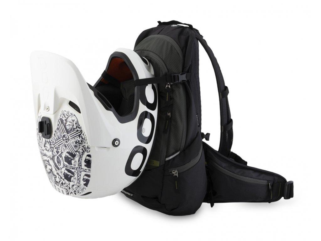 Flite 15 s připnutou integrální helmou